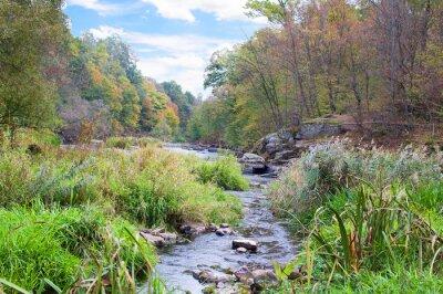 Fototapet berg flod i höst