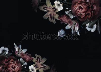Fototapet Blommig vintage-kort med blommor. Pioner, tulpan, lilja, hortensia på svart bakgrund. Mall för design av bröllopinbjudningar, hälsningar, visitkort, dekoration förpackningar