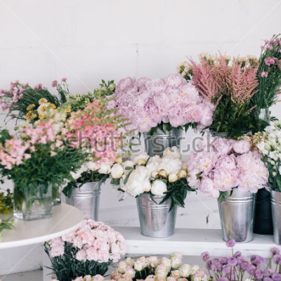 Fototapet Blommor i vaser och spikar. Florist.