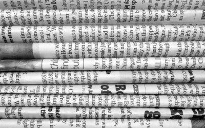 Fototapet Bunt tidningar i svart och vitt