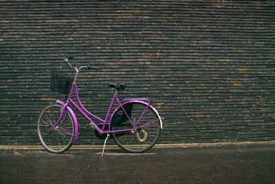 Fototapet Classic Vintage Purple Hipster Cykel på gatan