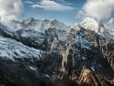 Fototapet Dombai. Landskap av rockies i Kaukasus i Ryssland