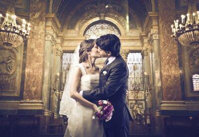 Fototapet Du kan kyssa bruden