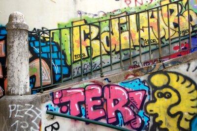 Fototapet färgglad graffiti på en vägg