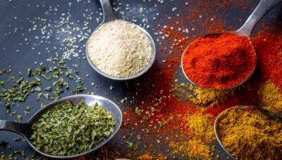 Fototapet färgrika kryddor