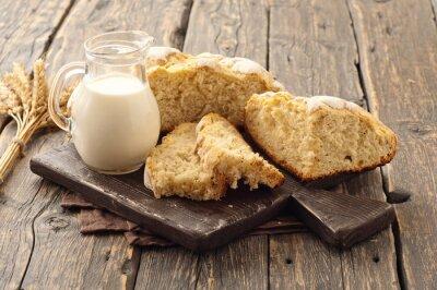 Fototapet färsk hemlagad limpa bröd med mjölk