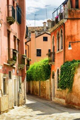 Fototapet Fasader av gamla hus på Calle Gradisca Cannaregio i Venedig