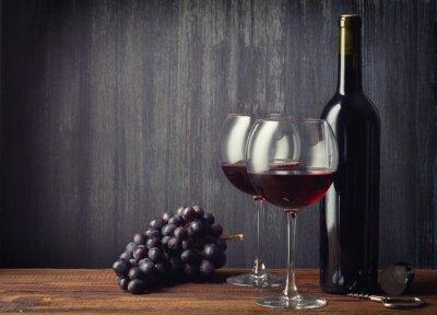 Fototapet Flaska och två glas rött vin