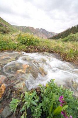 Fototapet flod och berg