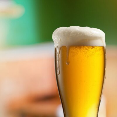 Fototapet Glas lättöl i pub