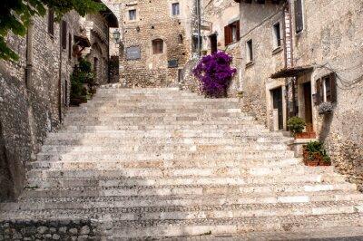 Fototapet glimt av den gamla byn Sermoneta