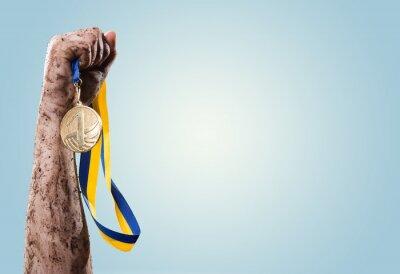 Fototapet Händer dra åt medalj