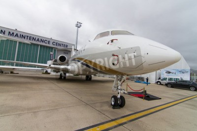 Fototapet Istanbul, Turkiet - SEPTEMBER 27, 2014: Bombardier Global Express 5000 i Istanbul Airshow som hölls i Ataturk Airport