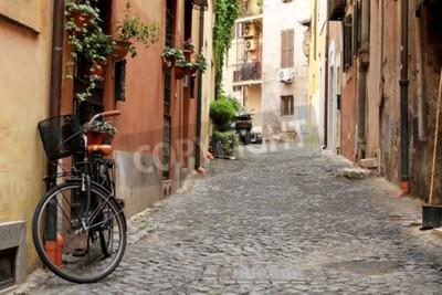 Fototapet Italien, gata med cykel och blommor i Rom