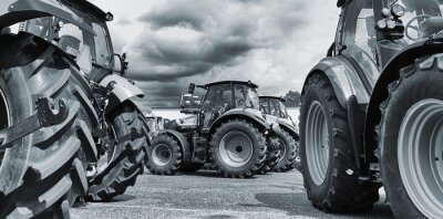 Fototapet jordbrukstraktor line-ups, plogar och maskiner