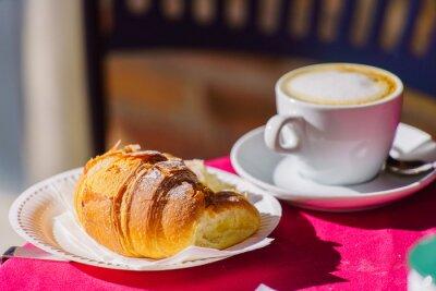 Fototapet kaffe med croissant