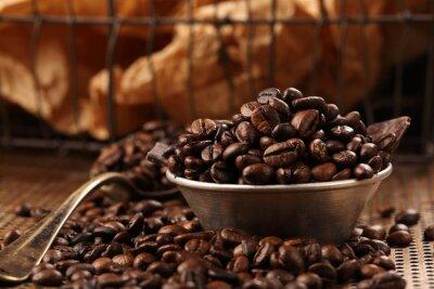 Fototapet Kaffebönor och mörk choklad i en skål i vintagestil