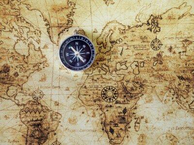 Fototapet Kompass på vintagekarta. Retro stil.