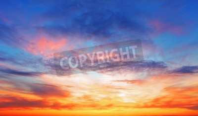 Fototapet Konsistens av ljusa kvällshimlen under solnedgång