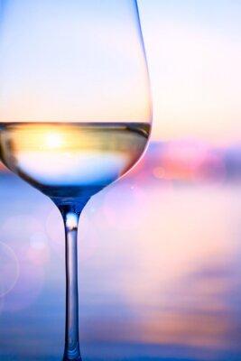 Fototapet Konst vitt vin på sommaren havet bakgrunden