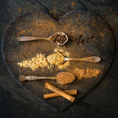 Fototapet Kryddor för julen pepparkakor i skedar