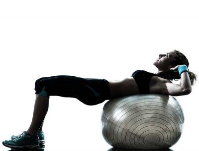 Fototapet kvinna utövar fitness boll träning
