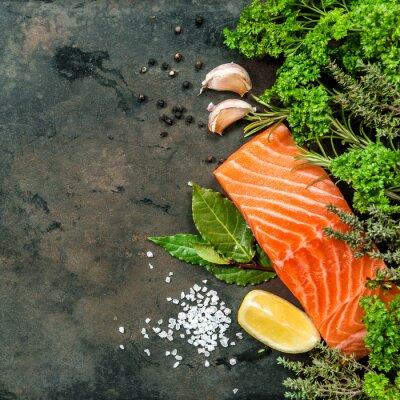 Fototapet Lax fiskfilé med örter kryddor. Skaldjur