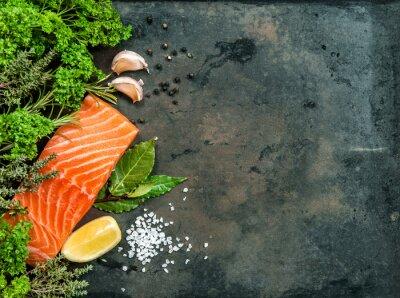 Fototapet Lax fiskfilé med örter och kryddor