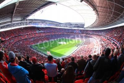 Fototapet LONDON - APRIL 14: Supportrar titta på fotbollsmatch Liverpool - Everton Semi Final FA Cup Crowd på Wembley Arena Stadium den 14 april 2012 i London, England Storbritannien.