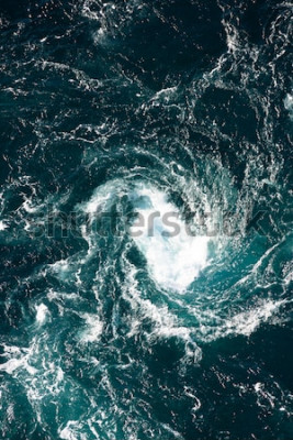 Fototapet Maelström, naturligt fenomen med bubbelpool, kallad saltstraumen, Norge