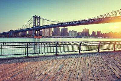 Fototapet Manhattan Bridge Over East River på solnedgången