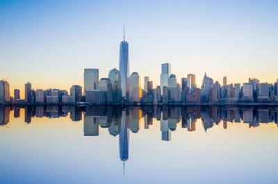 Fototapet Manhattan horisont med One World Trade Center-byggnaden vid behandlingsvecka