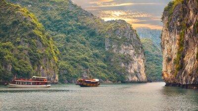 Fototapet marinmålning solnedgång på Halong Bay