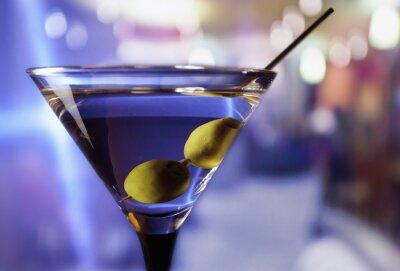 Fototapet martini med gröna oliver