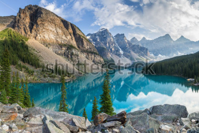 Fototapet Moraine lake with the rocky mountains panorama in the banff canada