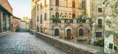 Fototapet Panorama gatuvy i Certaldo, Italien.