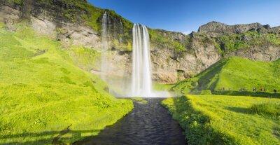Fototapet panorama med floden och vattenfall i Island