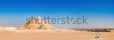 Fototapet Panorama över området med de stora pyramiderna i Giza, Egypten