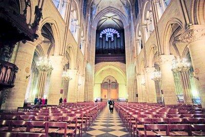 Fototapet Paris, Frankrike den 6 februari, 2016: insidan av Notre Dame de Paris, en av Paris simbols