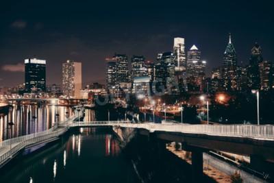 Fototapet Philadelphia horisont på natten med urban arkitektur.