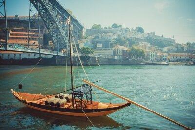Fototapet Rabelo båt, traditionell portvin transporter på floden Douro.
