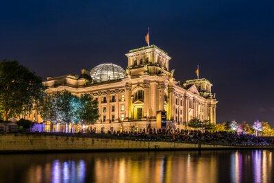 Fototapet Reichstag i Berlin am Abend