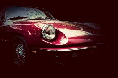 Fototapet Retro klassisk bil på mörk bakgrund. Tappning, elegant