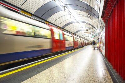 Fototapet Röret anländer till stationen