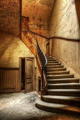 Fototapet Ruttnande trappa i en övergiven centralkontor