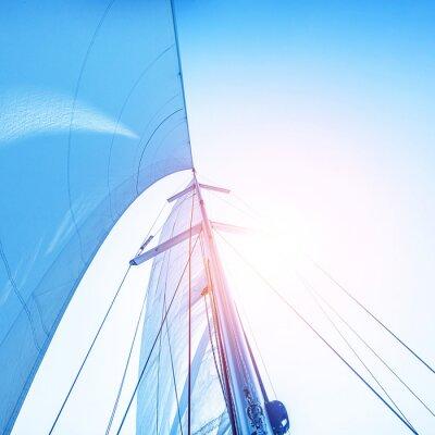 Fototapet Segla på blå himmel bakgrund