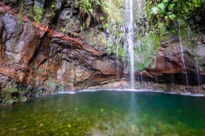 Fototapet Sista vattenfall av Tjugofem Fountains Levada vandringsled, Madeira (Portugal)