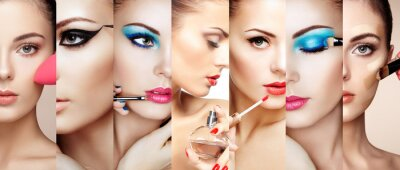 Fototapet Skönhet collage. Ansikten kvinnor. Mode foto. Makeup artist gäller läppstift och ögonskugga. Kvinna ansöker parfym