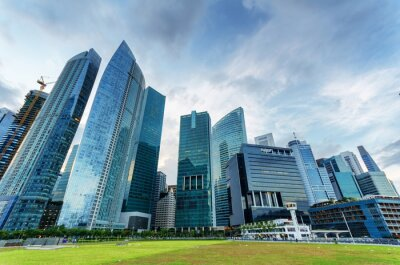 Fototapet Skyskrapor i finansdistrikt i Singapore