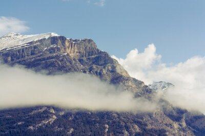 Fototapet Snötäckta Grotto Mountain